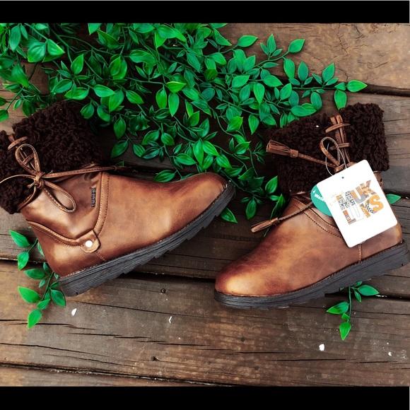 NWT Muk Luks Women's Brown Short Boot